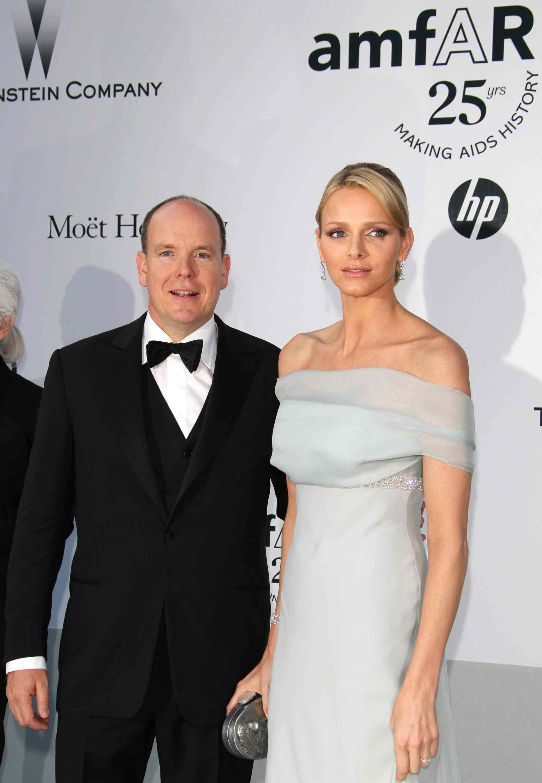 Charlene di Monaco: le foto dei look total white