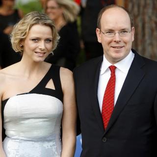 Charlene e Alberto di Monaco: auguri di Natale con i gemelli