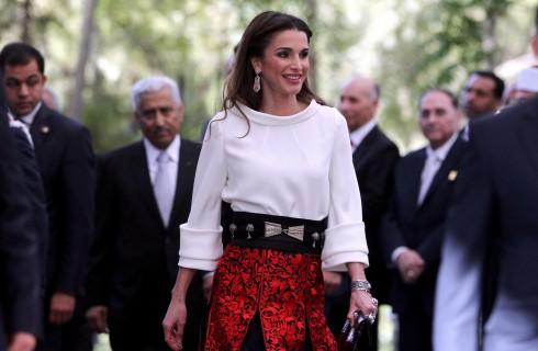 Rania di Giordania incontra Victoria Bekcham: look e magrezza a confronto