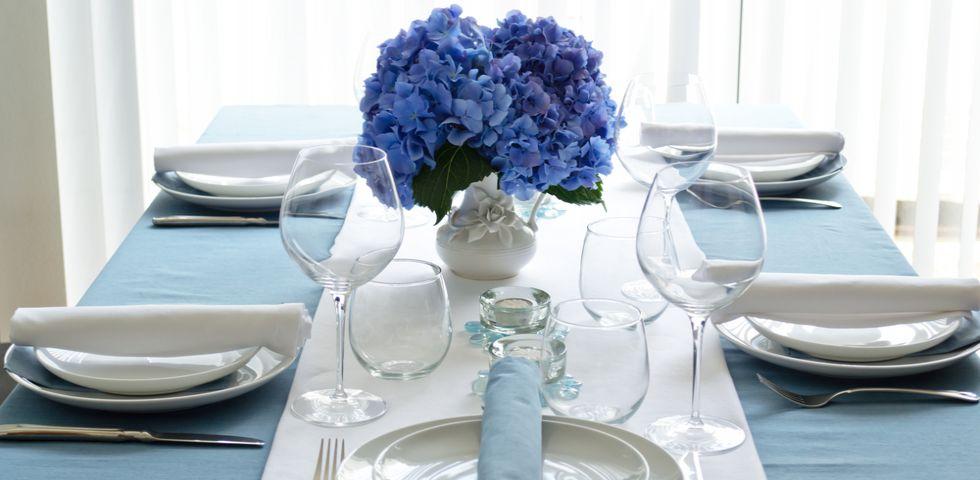 5 stili per apparecchiare la tavola diredonna - Tovaglia per tavolo ovale ...
