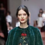 Capelli raccolti e ordinati da Dolce&Gabbana