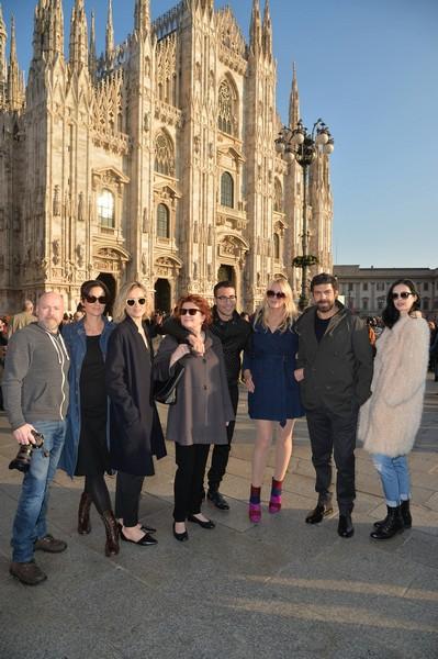 Le foto di Favino e Daryl Hannah per Netflix a Milano