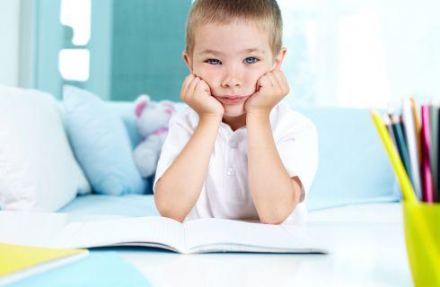 Compiti a casa: le scuse più divertenti dei bambini per non farli