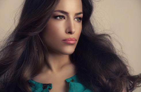 Integratori per capelli: composizione e controindicazioni