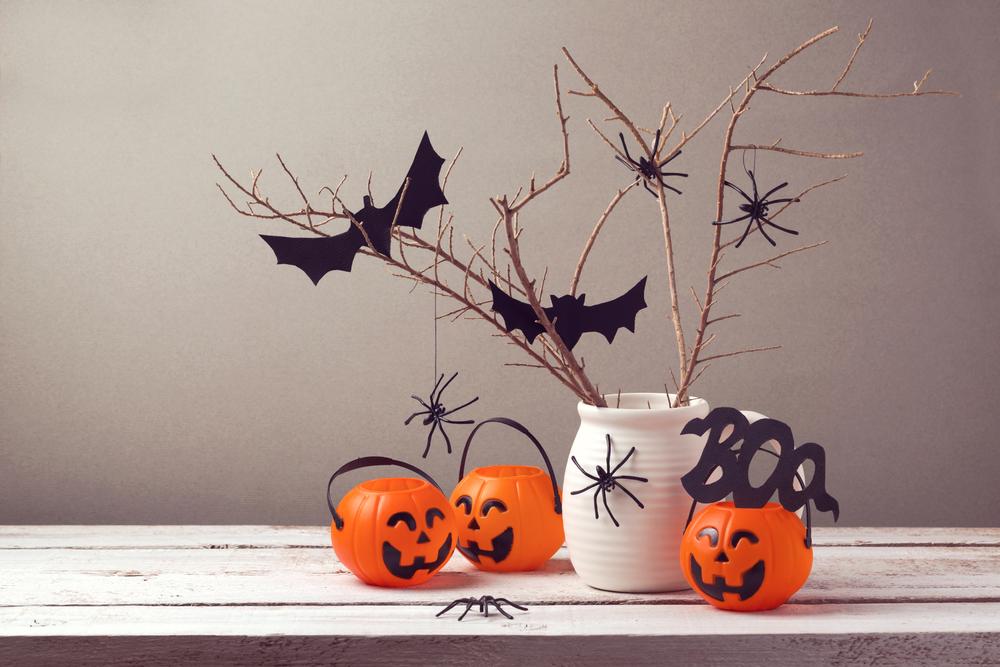 Decorazioni di halloween per la tavola 3 idee diredonna for Decorazioni halloween finestra