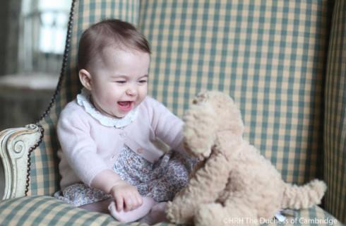 Kate Middleton: peluche e vestiti low cost per Charlotte