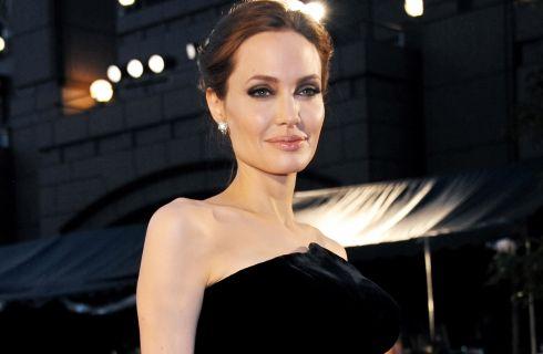 Angelina Jolie come Kate Middleton alla prima di By The Sea