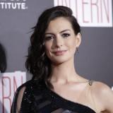 Anne Hathaway per la presentazione di The Intern nel settembre 2015