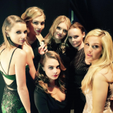 Taylor Swift, Karlie Kloss, Lily Mdonaldson, Cara Delevingne, Ellie Goulding e Stella McCartney