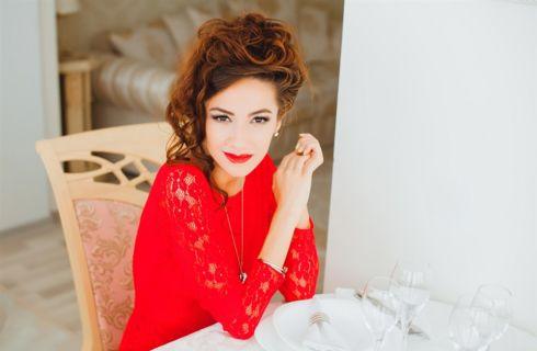 Il make up perfetto da abbinare al vestito rosso