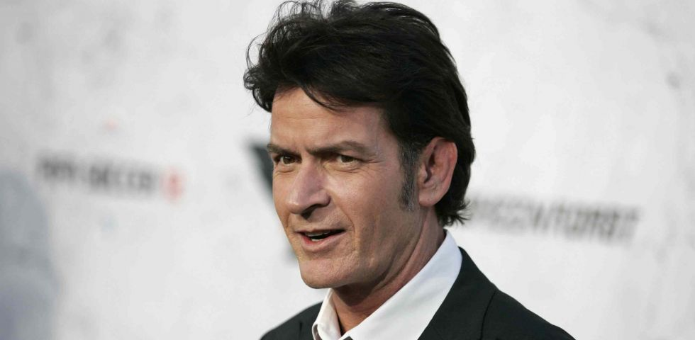 Charlie Sheen accusato di abusi su minore in un documentario