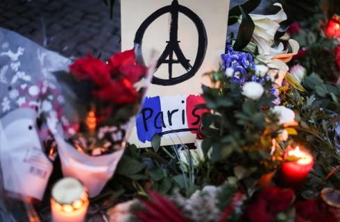 Attentati Parigi: il messaggio di speranza di un padre a suo figlio