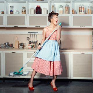Pulizie di casa: diventa protagonista ironica su Instragram