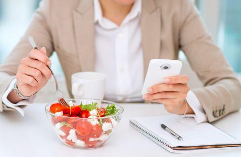 Cosa mangiare a pranzo per perdere peso: 5 trucchi