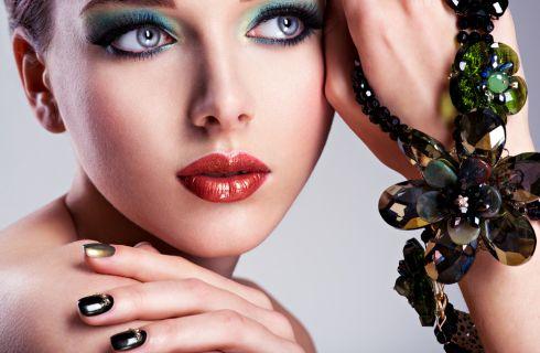 Nail Art: le unghie effetto vetro