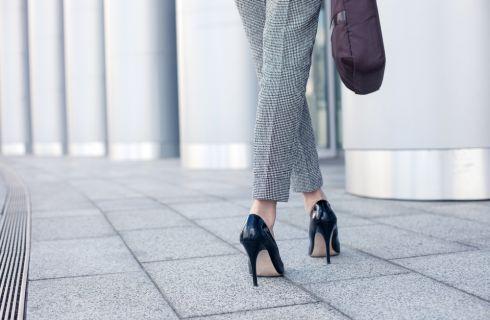 7 consigli per camminare sui tacchi