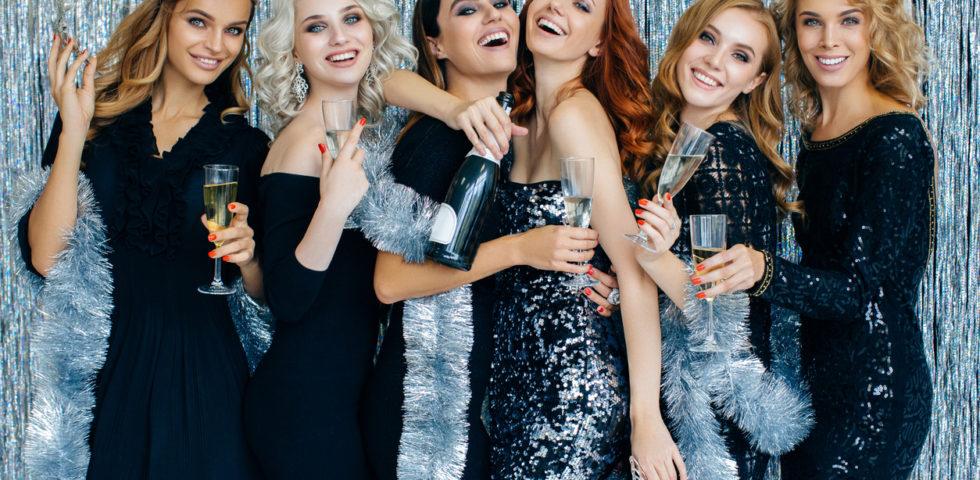 Tubino nero: come indossarlo a Natale