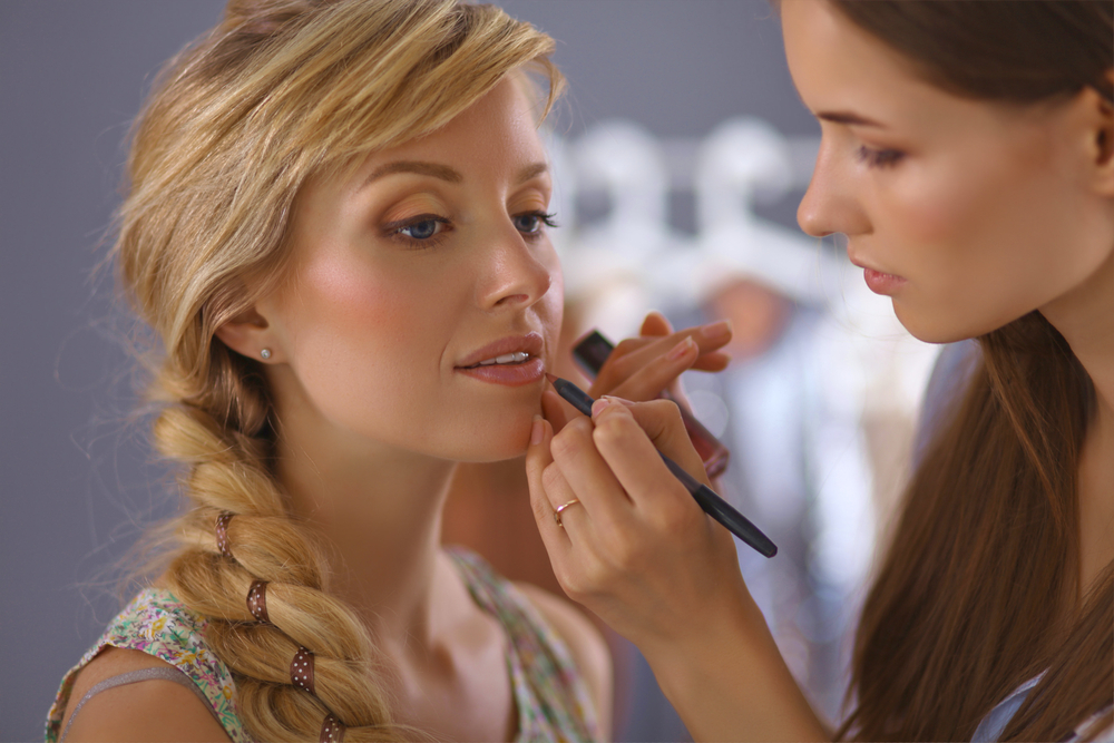 Come fare il make up per sembrare più magra: 5 segreti