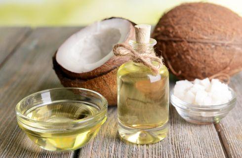 Olio di cocco: 5 trucchi per la cura del corpo