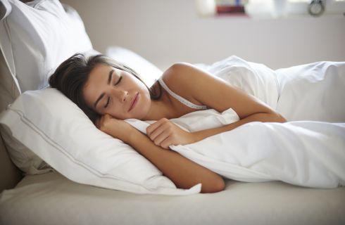 I trucchi per perdere peso mentre si dorme