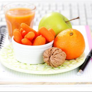 10 snack dietetici per l'ufficio