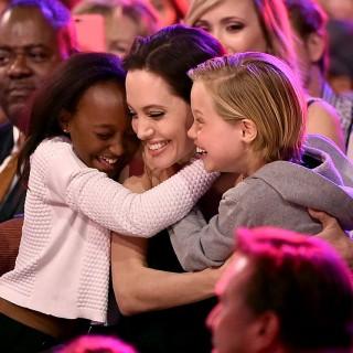 Angelina Jolie travolta dai pettegolezzi