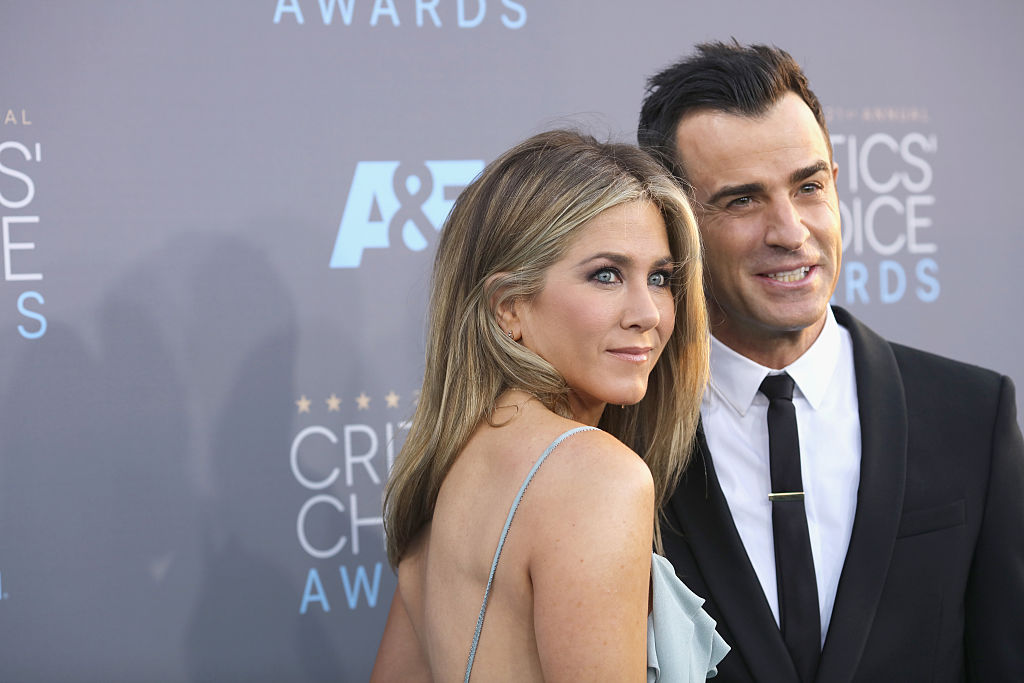 Jennifer Aniston, red carpet con spacco generoso