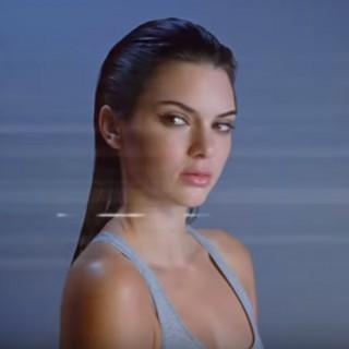 Kendall Jenner nuovo volto della linea d'intimo Calvin Klein