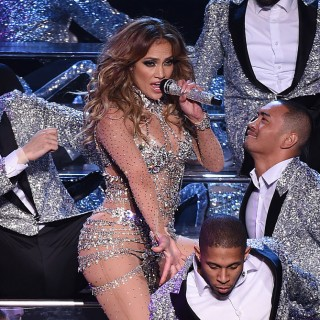 Jennifer Lopez: foto sexy su Instagram per Drake?