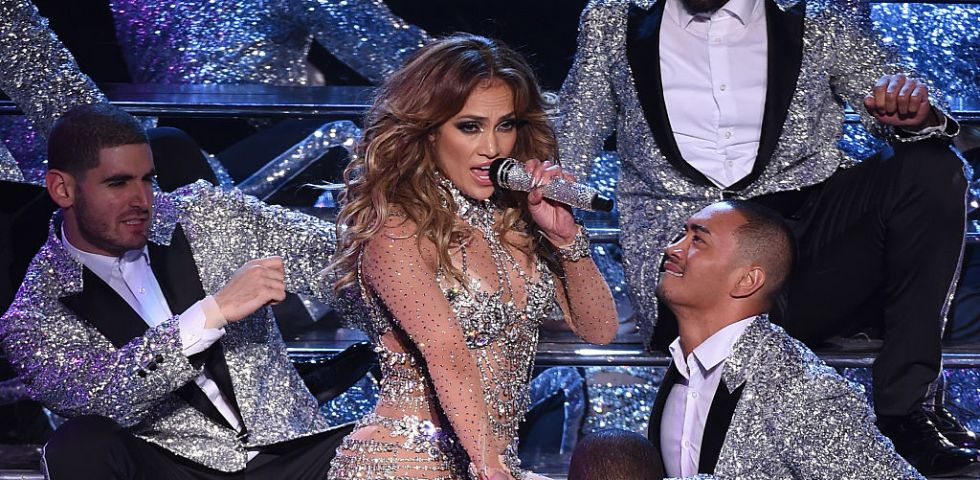 Jennifer Lopez: incidente hot sul palco