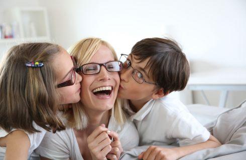 Mai costringere i bambini ad abbracci e baci: ecco perché
