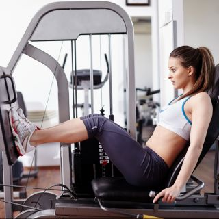 Leg press: come variare la posizione delle gambe