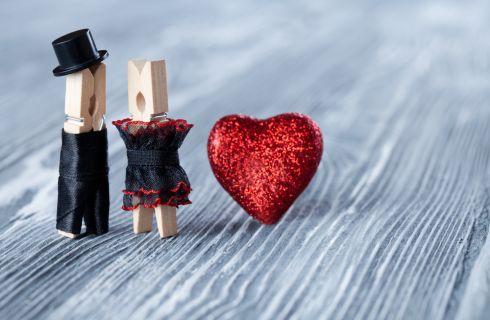 Come vestirsi a San Valentino: come scegliere gli accessori giusti