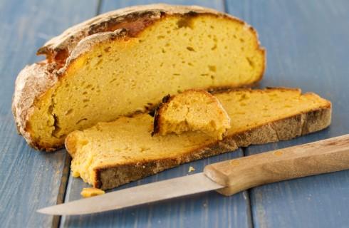 Ricetta del pane di mais, perfetto per panini e bruschette