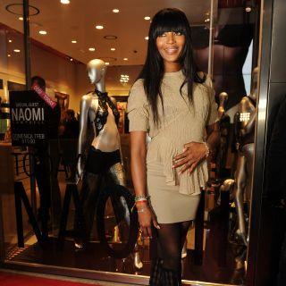 Naomi Campbell incanta Milano da Yamamay