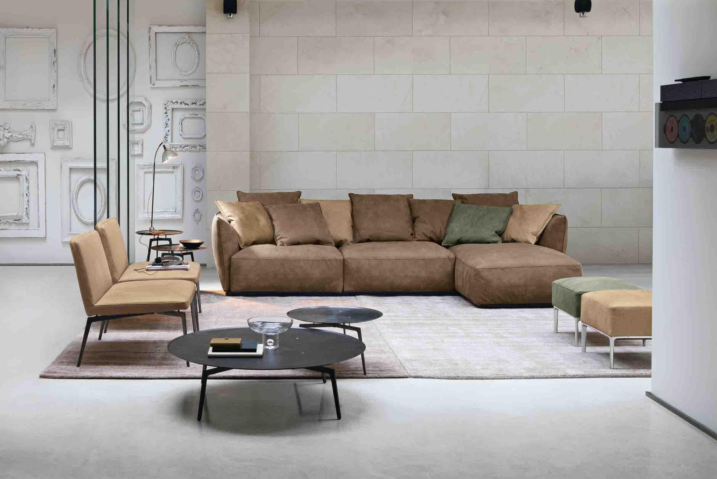Divani in pelle soluzioni per 5 stili diredonna for Pelle divani