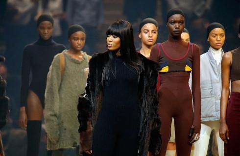 Naomi Campbell e il clan Kardashian al completo per la sfilata di Kanye West a New York