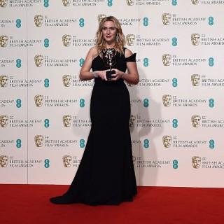 Kate Winslet trionfa ai Bafta senza il marito