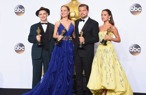 Tutti i look degli Oscar 2016: da Brie Larson a Charlize Theron e Jennifer Lawrence