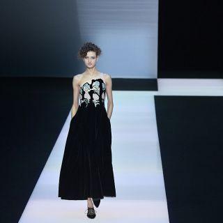 Giorgio Armani sceglie il nero e il velluto