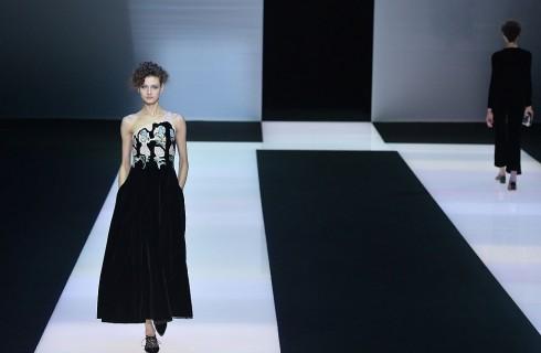 Giorgio Armani: nero e velluto per l'Autunno Inverno 2016-2017