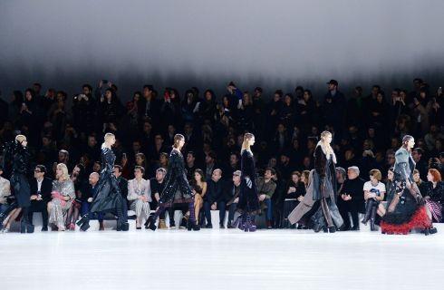 Lady Gaga sfila per la collezione A/I 2017 di Marc Jacobs