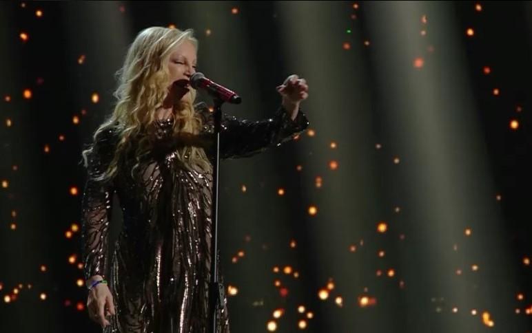 I look peggiori e migliori della seconda serata di Sanremo 2016
