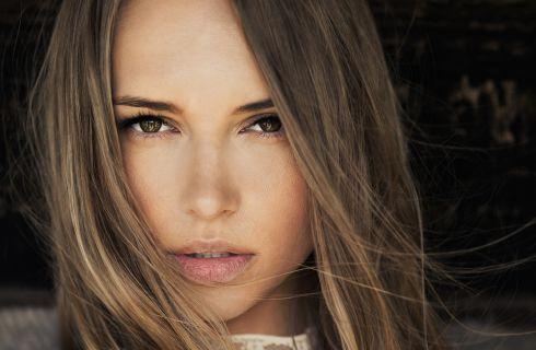Trucco occhi marroni: gli ombretti da abbinare e scegliere