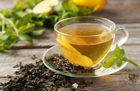 Come avere la pancia piatta: l'aiuto del tè verde