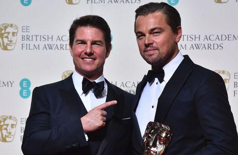 Tom Cruise: botox e lifting nella foto con DiCaprio ai Bafta 2016