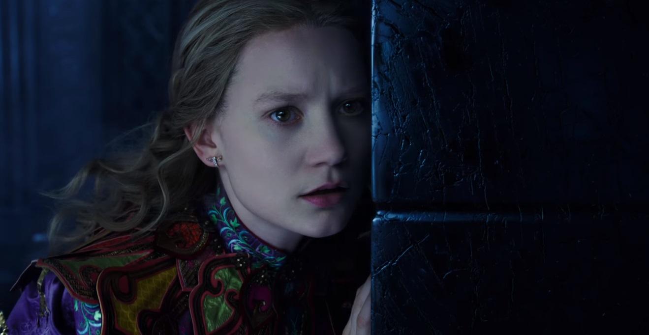 Alice attraverso lo specchio la magia torna protagonista - Attraverso lo specchio ...