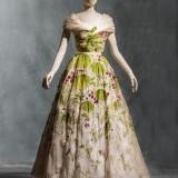 Christian Dior, Abito da sera « May », Haute couture, primavera estate 1953, organza de soie brodé par Rébé © Les Arts Décoratifs, Paris, collection UFAC