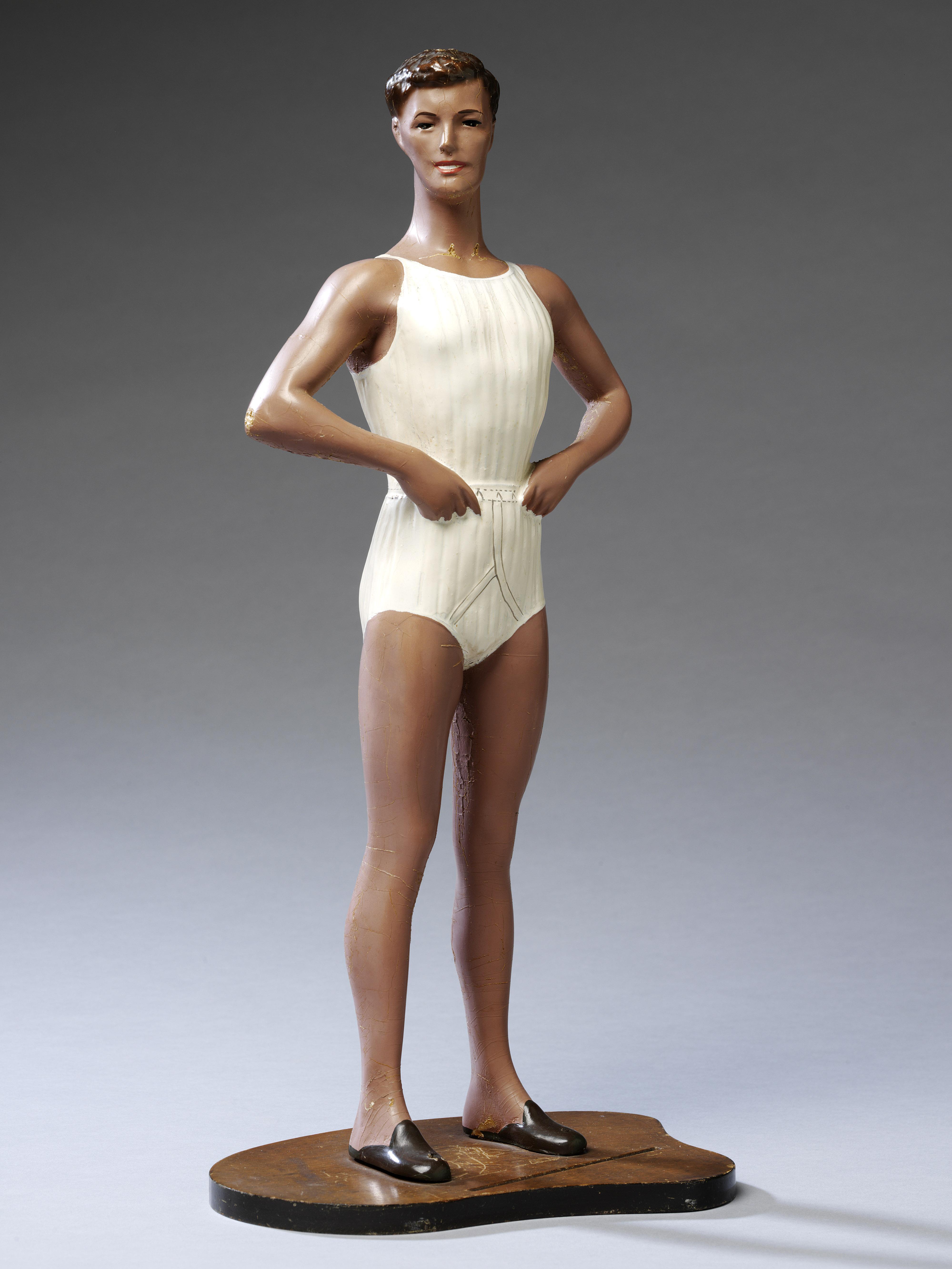 Undressed: A Brief History of Underwear, le immagini