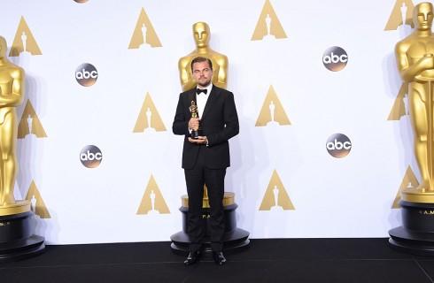 Leonardo DiCaprio vince il Premio Oscar: l'ironia sul web